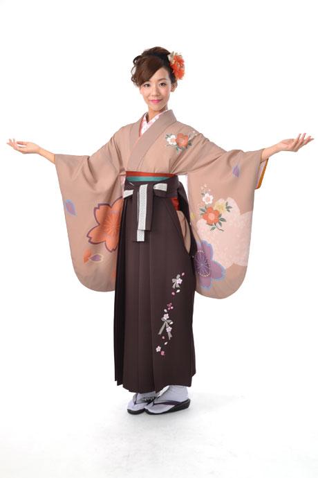 【着物】チャベイジュピンク大桜小袖+【袴】チャイロレースリボン
