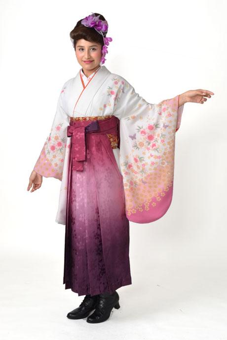【着物】白地淡ピンク小桜にチョウ+【袴】ローズボカシ柄
