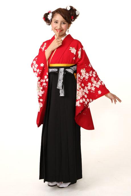 【着物】赤にサクラボタンにリボン小袖+【袴】クロレース