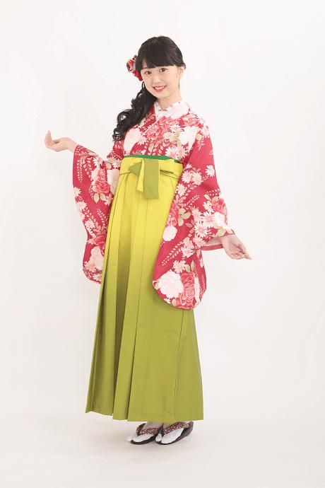 レンタル着物:赤地バラに藤+レンタル袴:キイロボカシの全体画像