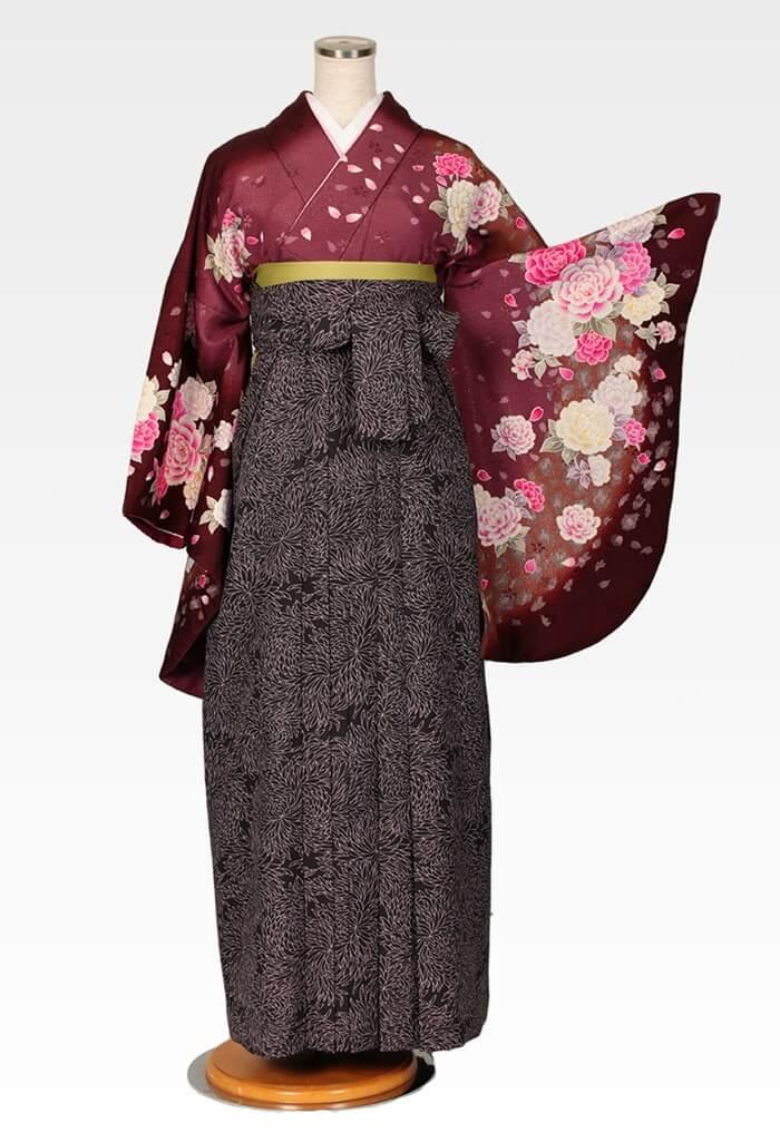 【着物】茶ラメバラ吹雪+【袴】総柄黒