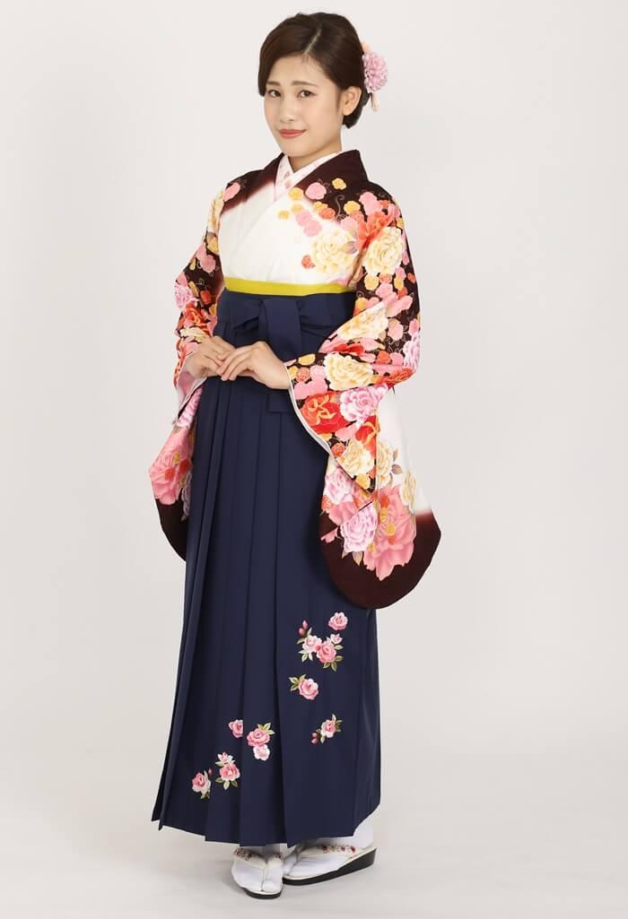 【着物】anan白×茶バラづくし+【袴】コンローズシシュウ