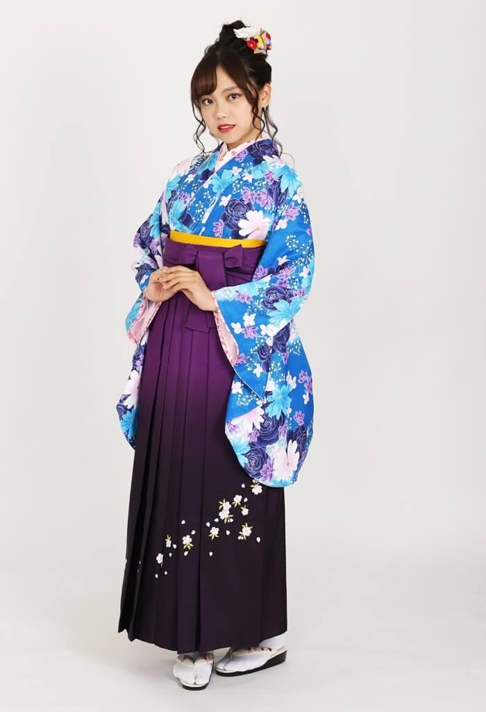 【着物】ブルーバラにコスモス+【袴】ムラサキボカシシシュウ