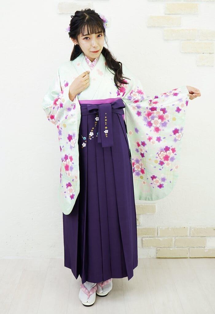 ネットレンタルできる袴コレクションの可愛らしい卒業式袴