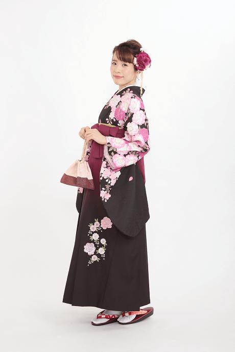 レンタル着物:ナカノ春黒+レンタル袴:アズキボカシバラシシュウの全体画像