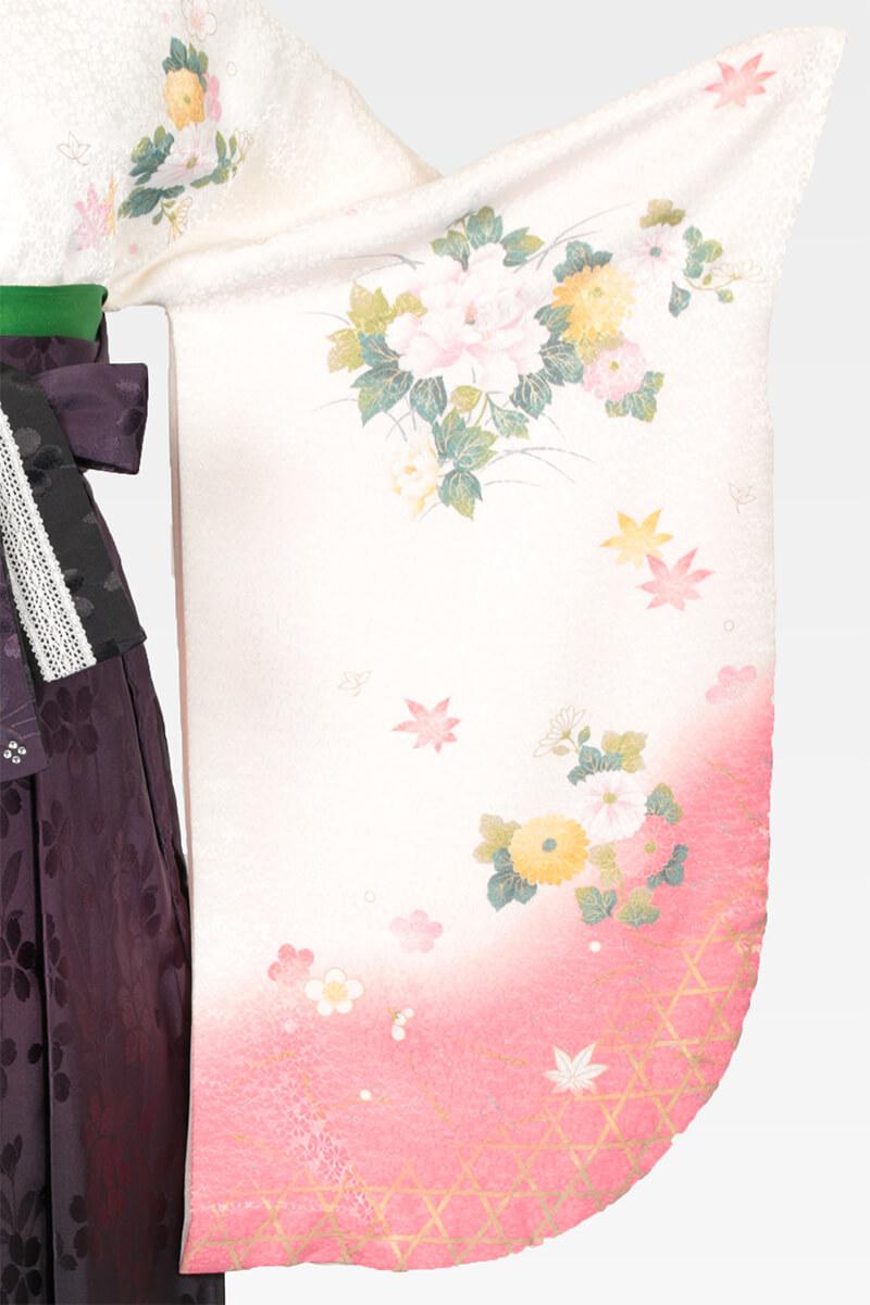 レンタル着物:白地に菊に牡丹の袖