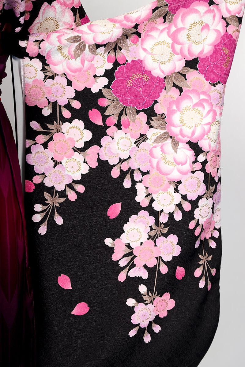 レンタル着物:ナカノ春黒の袖