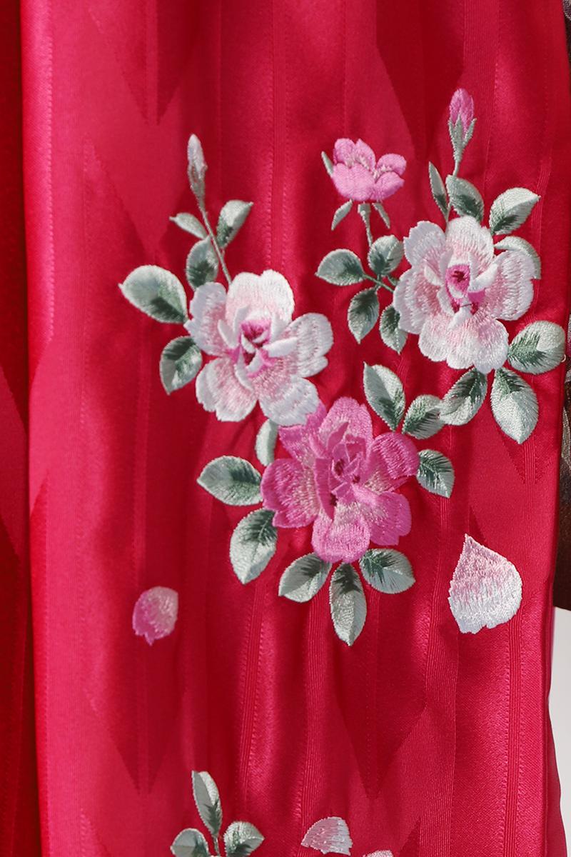 レンタル袴:ピンクバラ刺繍詳細