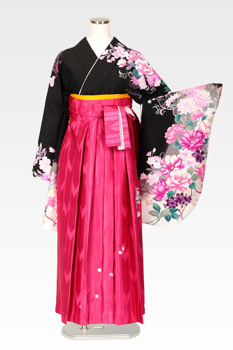 レンタル着物:ハナエモリ黒地四季花色どり+レンタル袴:ピンクバラ刺繍のコーディネート