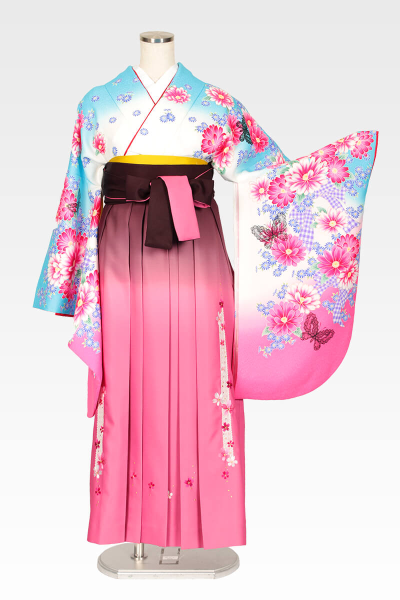 レンタル着物:スザンヌ白地ブルーピンクぼかしレース蝶+レンタル袴:ピンクボカシレース桜のコーディネート