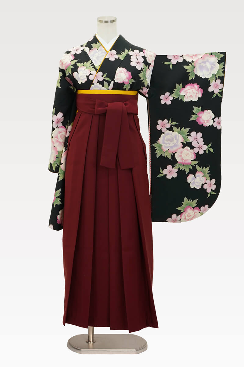 【着物】黒にボタンにサクラ+【袴】エンジ