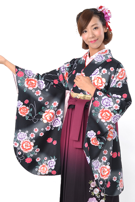 【着物】黒地蝶にバラ