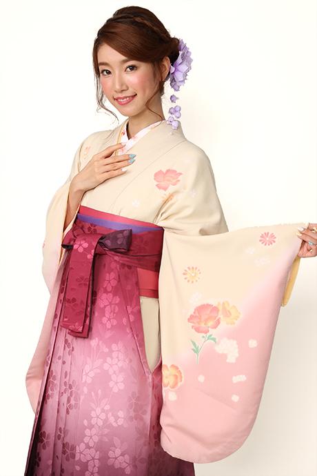 【着物】ベイジュピンク洋花