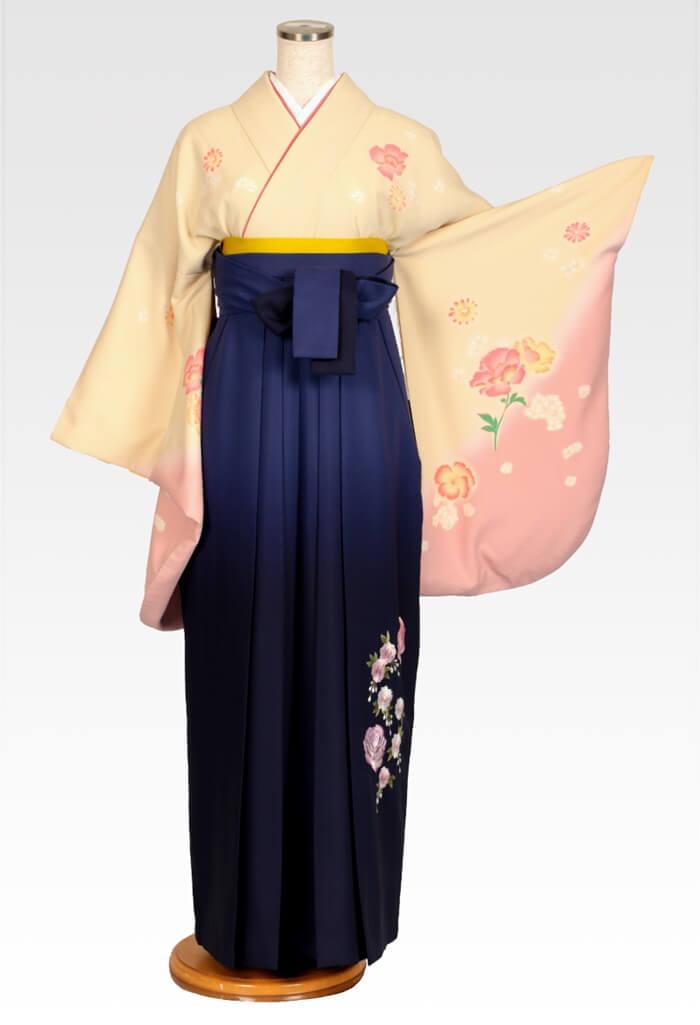 【着物】ベージュピンク洋花+【袴】ムラサキボカシシシュウ