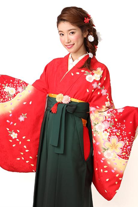 【着物】赤雪輪にサクラチラシ