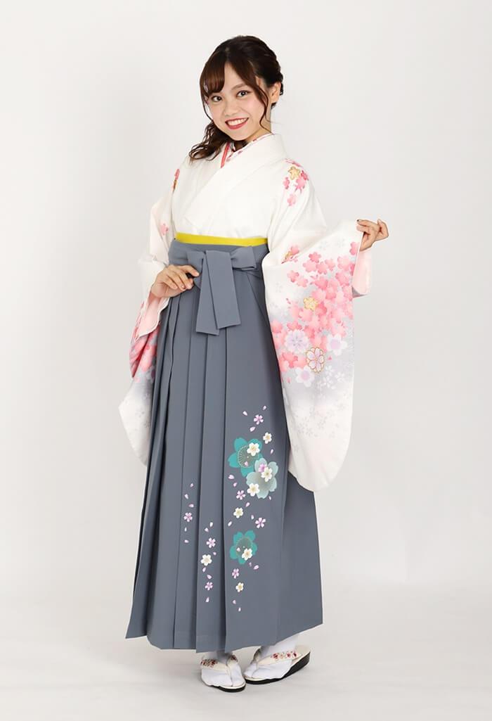 【着物】白地にピンクグレー桜+【袴】コンネズ友サクラ