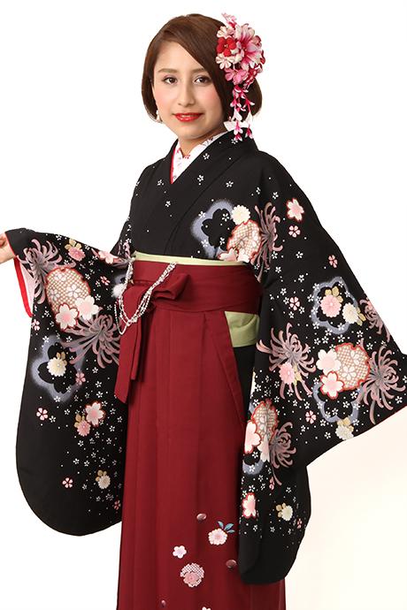 【着物】黒地に大菊小菊