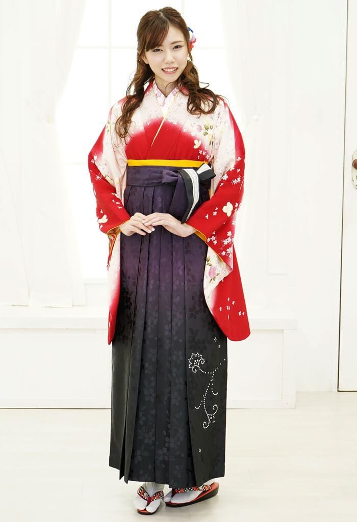 【着物】赤にうすももサクラ+【袴】ムラサキ黒ぼかしスワロ桜地