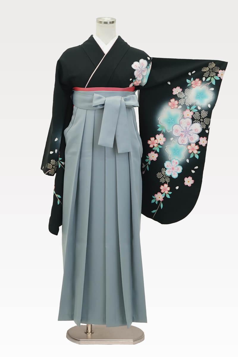 【着物】黒地に疋田シダレサクラ+【袴】ホワイトグレー
