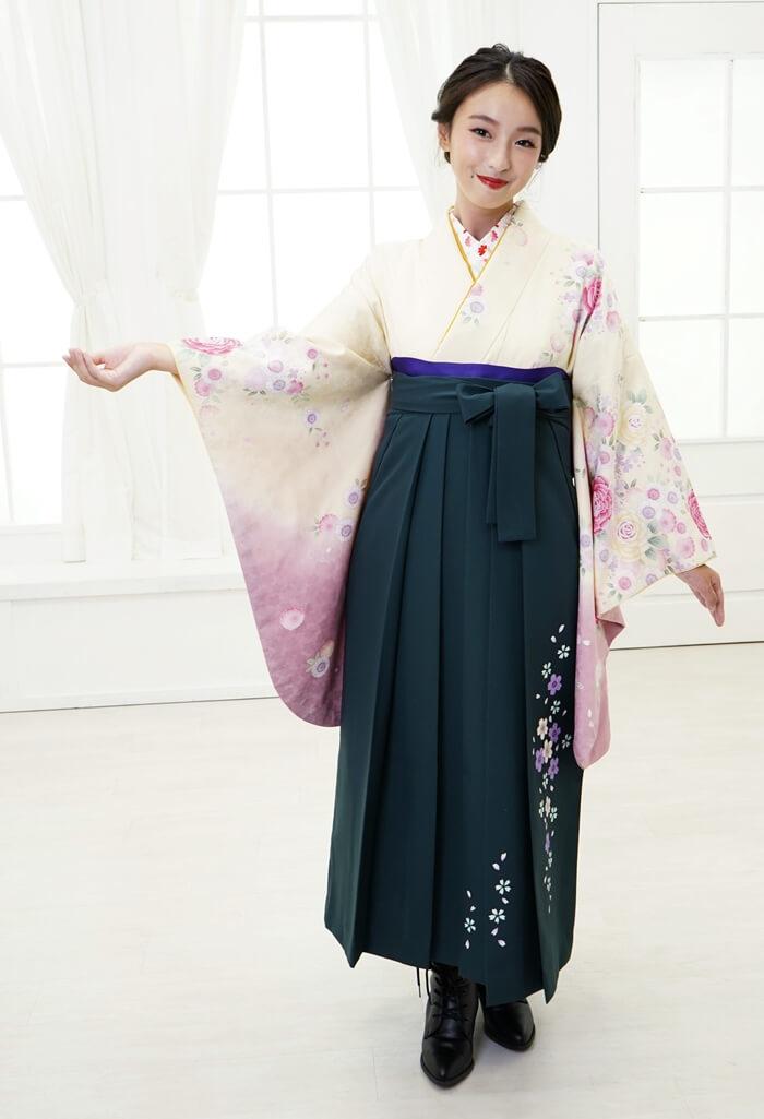 【着物】クリームピンクバラ+【袴】フカミドリ友シダレザクラ