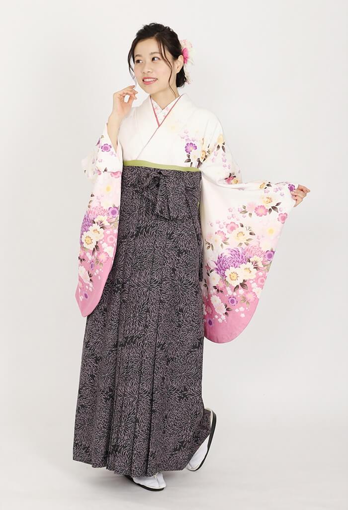 【着物】白にローズ袖ムラサキ桜+【袴】総柄黒