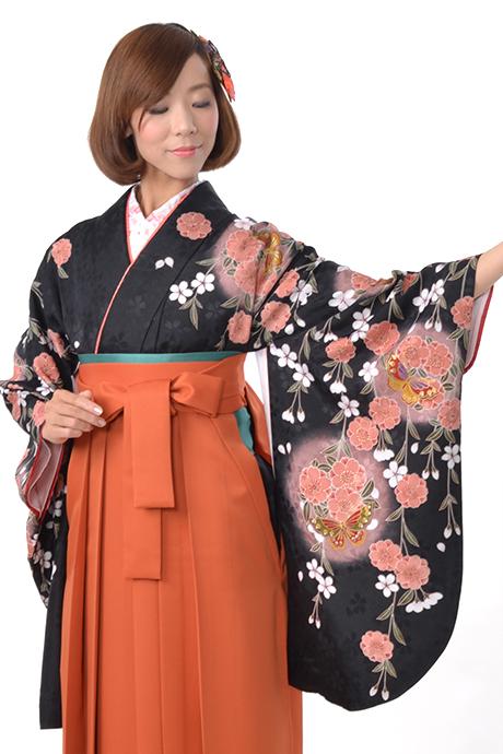 【着物】黒シダレサクラ丸蝶