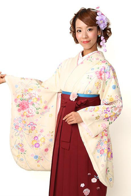 【着物】クリーム牡丹花束