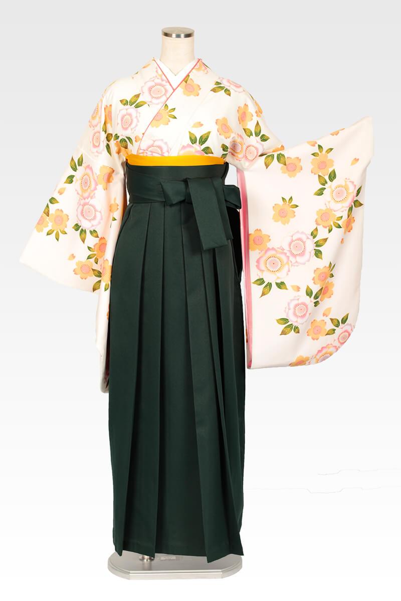 レンタル着物:白地に八重桜+レンタル袴:フカミドリのコーディネート