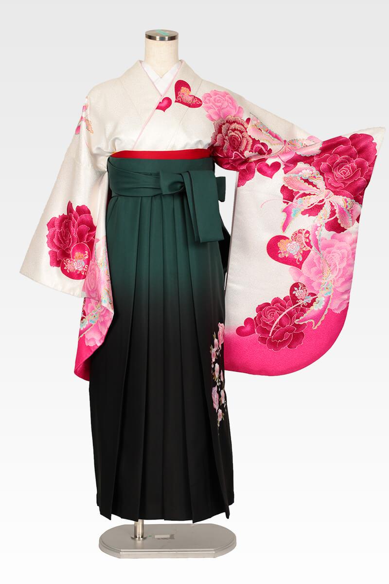 レンタル着物:白地ピンクハートバラ+レンタル袴:グリーンボカシバラ刺繍