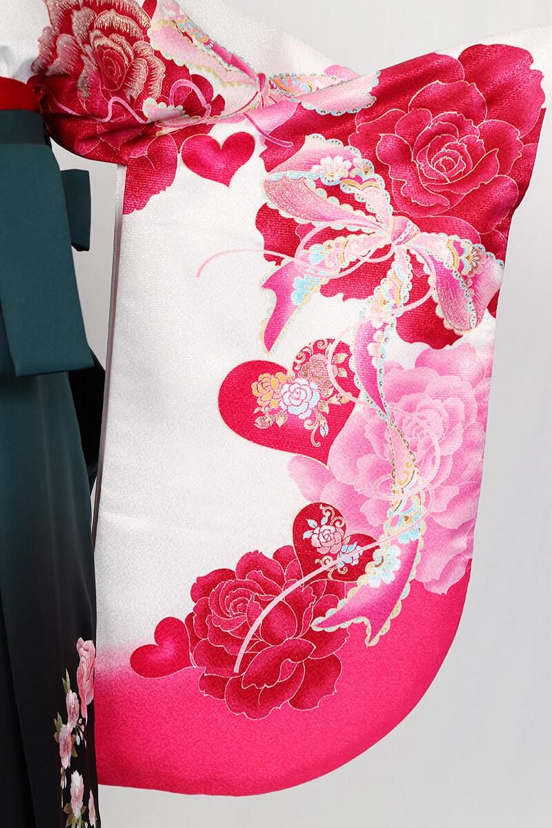レンタル着物:白地ピンクハートバラの袖