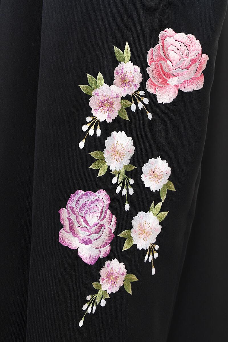 レンタル袴:グリーンボカシバラ刺繍詳細