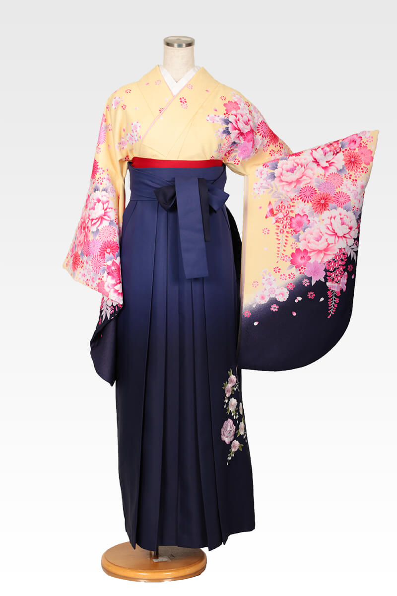 レンタル着物:スザンヌ黄地花づくし+レンタル袴:紺ボカシバラ刺繍のコーディネート