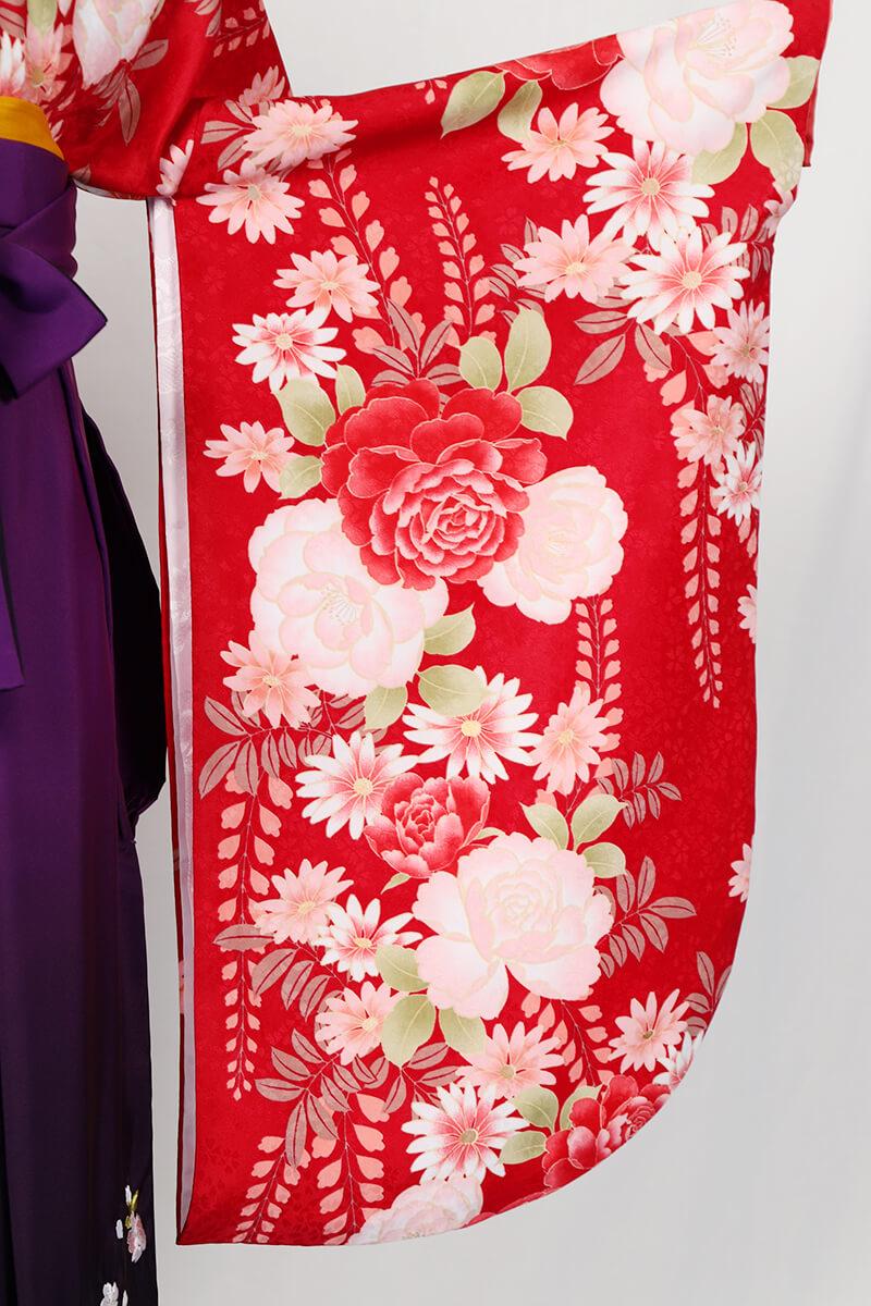 レンタル着物:赤地バラに藤の袖