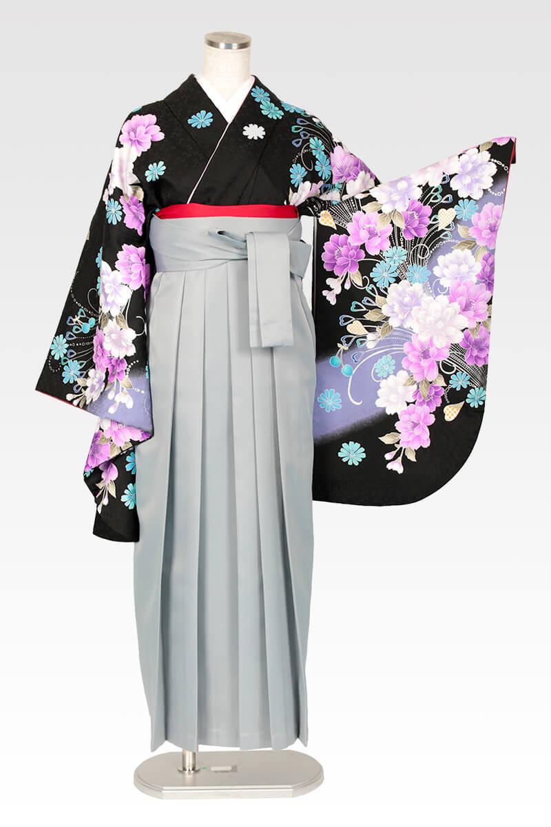 レンタル着物:anan黒×紫牡丹流泉+レンタル袴:ホワイトグレーのコーディネート