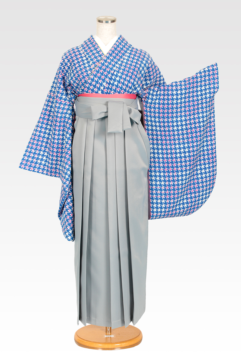 レンタル着物:ブルー千鳥+レンタル袴:ホワイトグレーのコーディネート