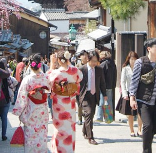 京都の老舗呉服屋と提携の袴レンタル